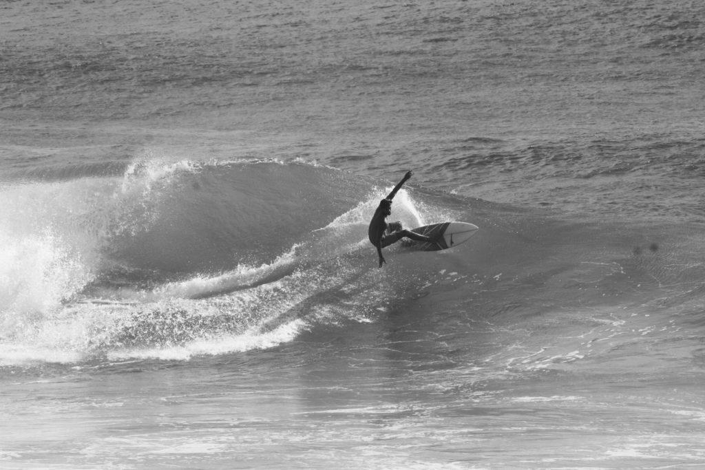 2.surf-surfpaysbasque-cours-coursparticuliers-particuliers-sport-nautique-mer-ocean-bidart-vacances-biarritz-hendaye-guethary-holidays-groupe-filles-garcons-enfants-evg-evjf.37-1-1024x683
