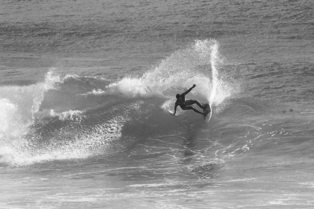 4.surf-surfpaysbasque-cours-coursparticuliers-particuliers-sport-nautique-mer-ocean-bidart-vacances-biarritz-hendaye-guethary-holidays-groupe-filles-garcons-enfants-evg-evjf.37-1-1024x683